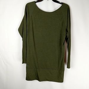 Lole Long Sleeve Green Size Small V Neck On Back a